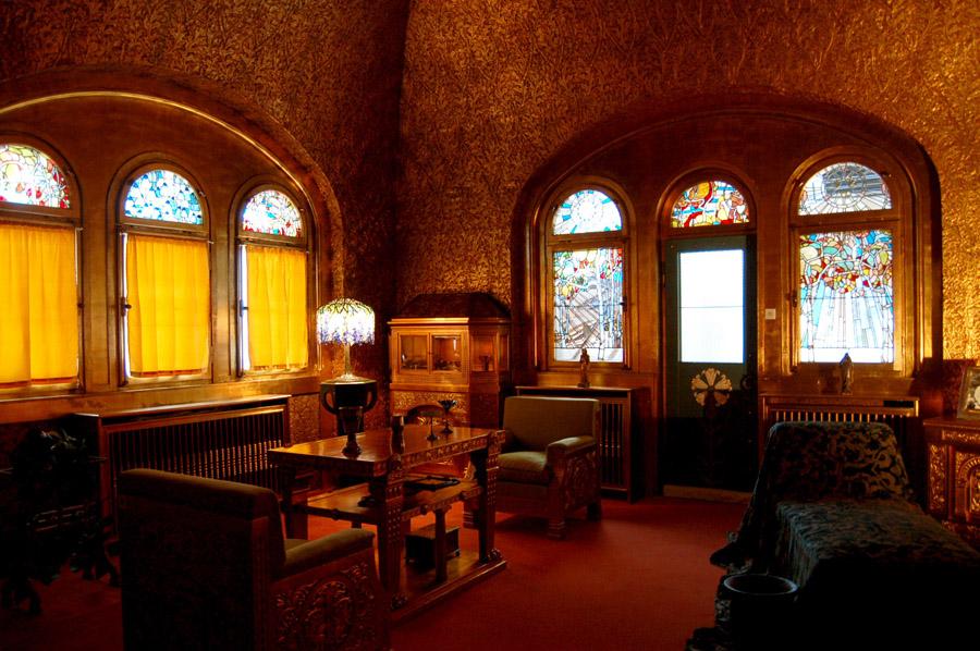 """La """"salle aux feuilles d'or"""". Crédit : Curious Expeditions / FlickR"""