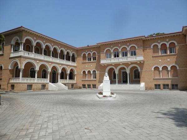 Le Palais de l'Archevêché.