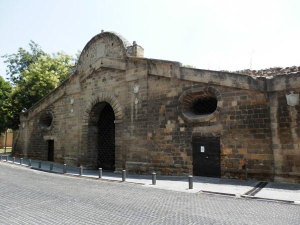 La porte de Famagouste, vestige des fortifications vénitiennes érigées entre 1567 et 1570.