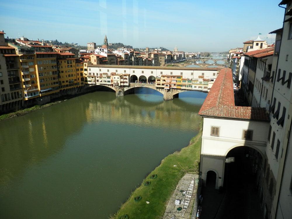 Le Ponte Vecchio vu depuis la Galerie des Offices.
