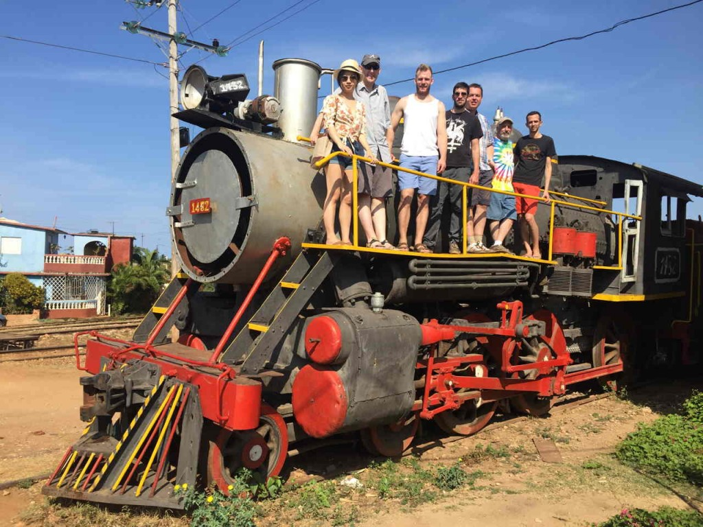 Une photo de groupe prise par Alistair, avec de gauche à droite : Dominica, Jim, Brendan, moi, Roy, Frank et Ross.