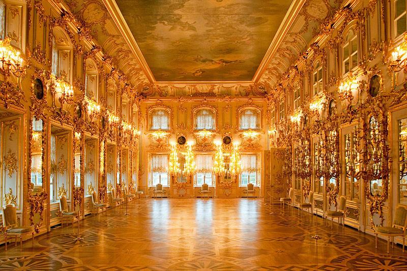La salle de bal. © ZAO saint-petersburg.com